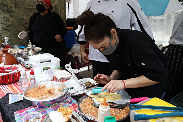 Más de 30 colectividades participaron del festival con sus comidas típicas