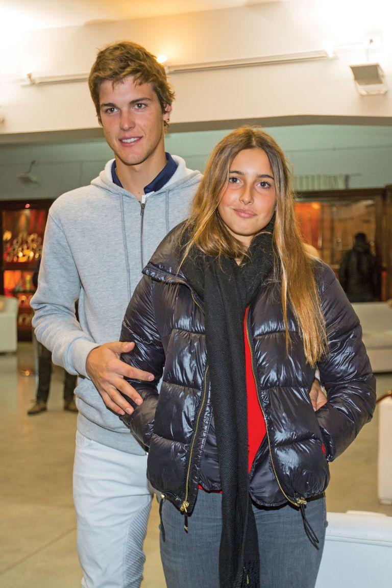 Desde hace algo más de un año, Mia está de novia con el polista Juan Martín Zubia (21). Con ocho de handicap, el año pasado defendió la camiseta de La Ensenada en la Triple Corona.