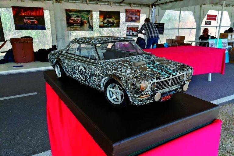Escultura. El arte de Mario Tagliavini con piezas en desuso y soldadura El Paseo Fangio en Palermo se engalana hoy para festejar el 52° aniversario de los Toros