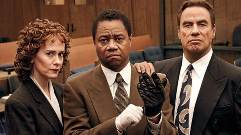 Sarah Paulson, Cuba Gooding Jr. y John Travolta en American Crime Story