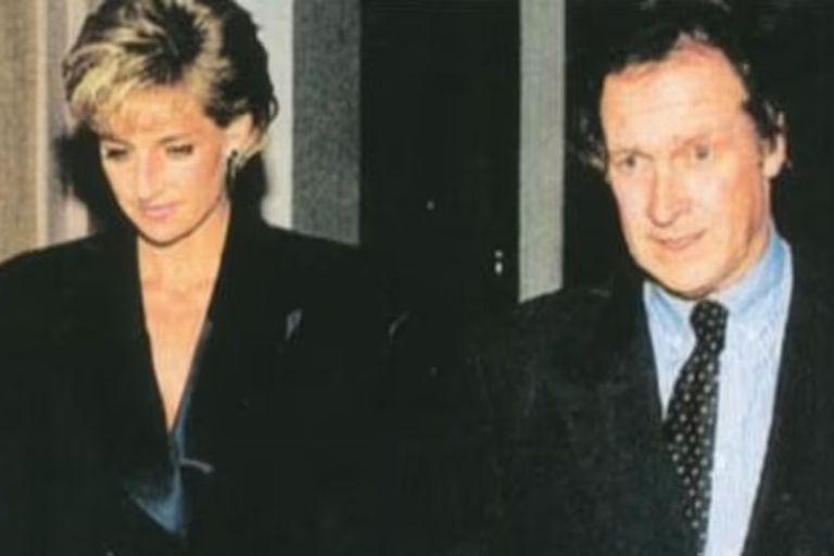 Lady Di junto a su guardaespaldas, Colin Tebbutt: el hombre de 57 años viajó a París la noche de la tragedia y fue su fiel guardián durante la madrugada - Fuente: Daily Mail