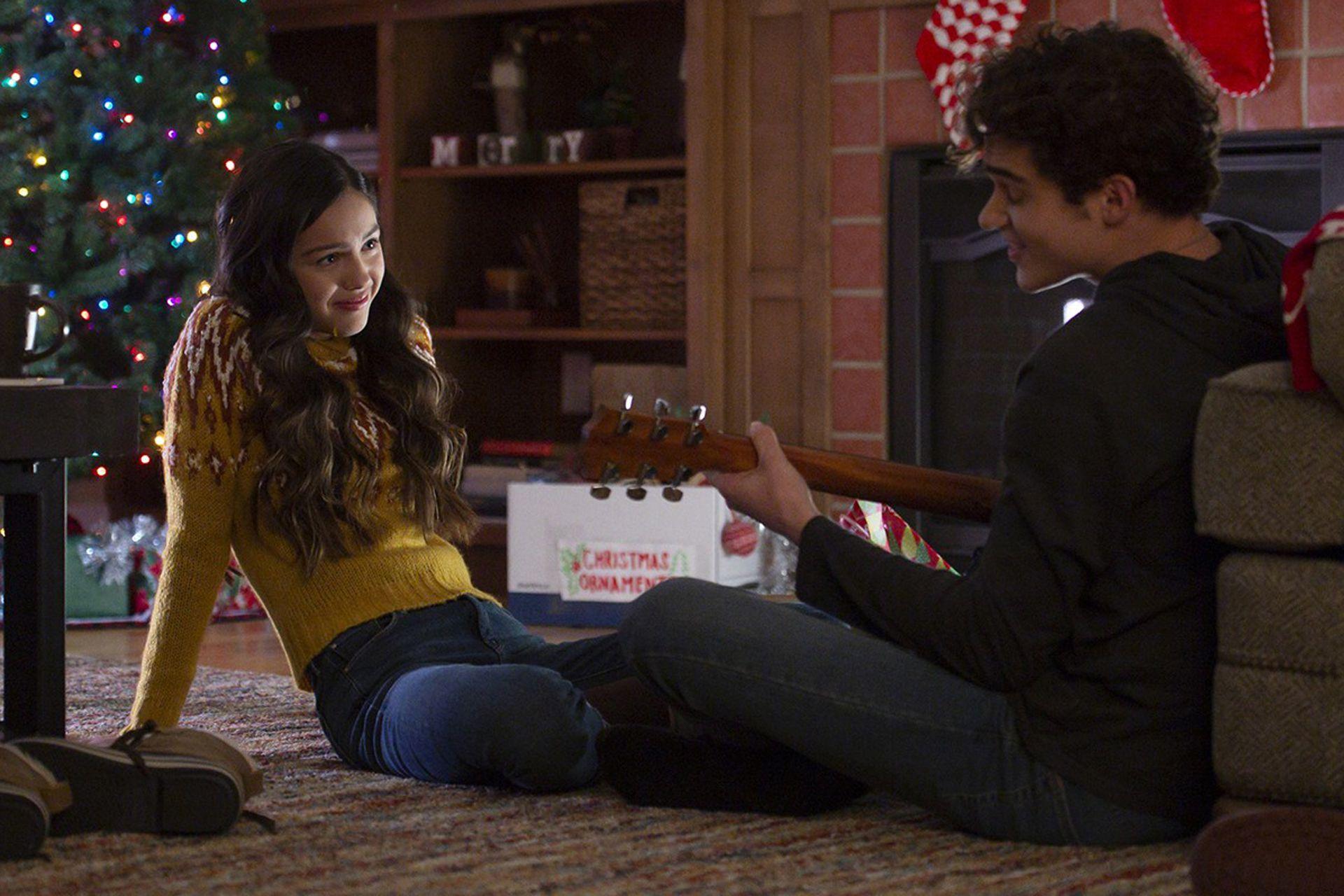 Olivia Rodrigo y Joshua Bassett en High School Musical: The Musical, la serie