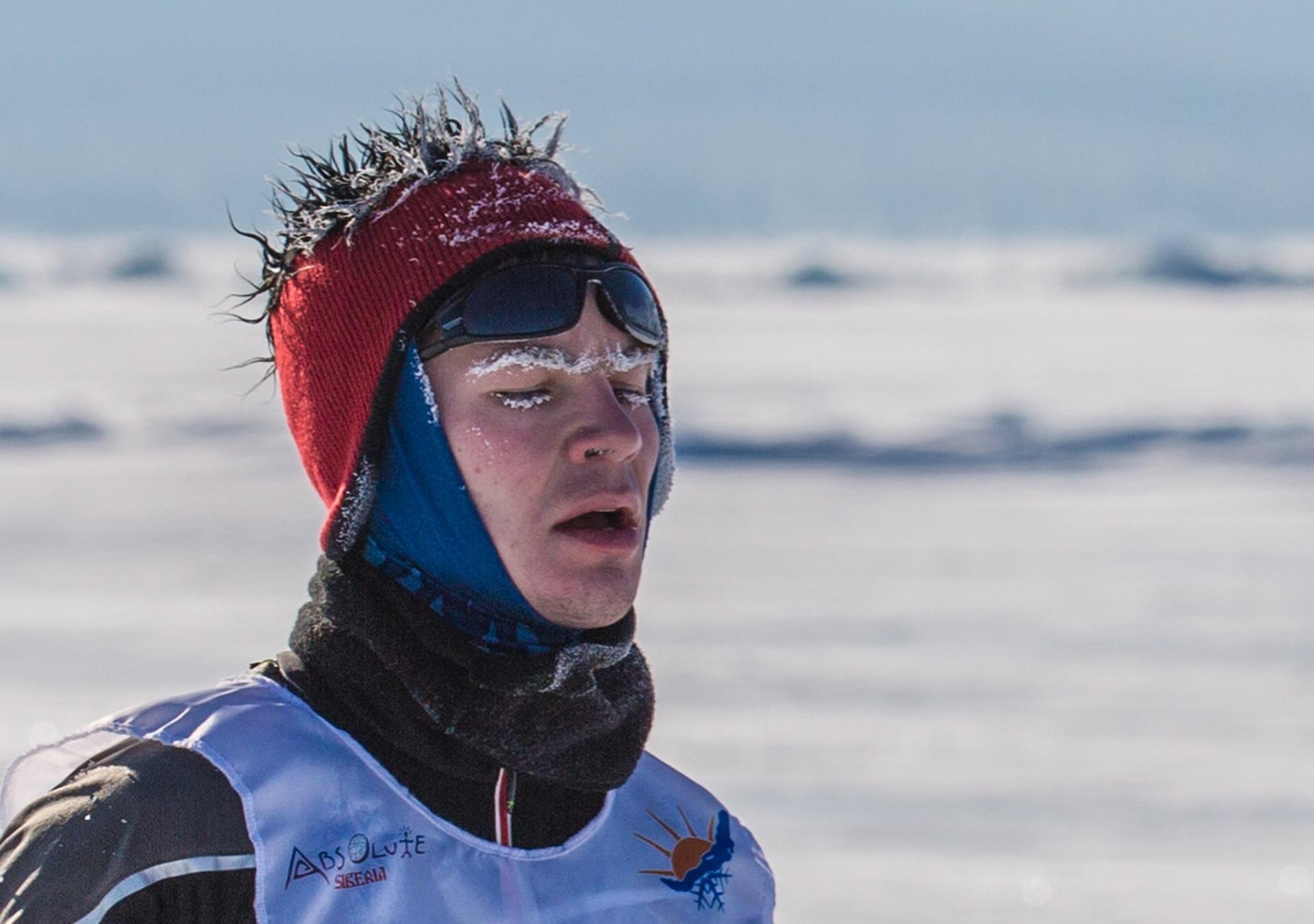 Durante la carrera, todas las partes de la piel deben estar cubiertas. Hay algo riesgo de congelamiento.