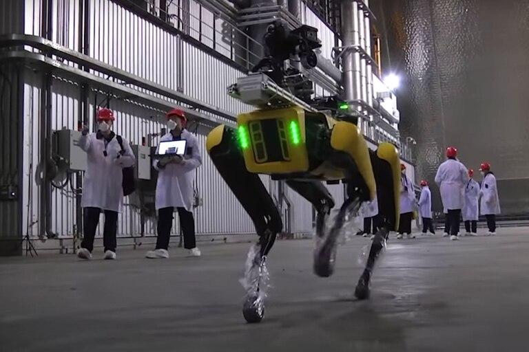 El robot cuadrúpedo de Boston Dynamics recorre las instalaciones de la planta nuclear de Chernobyl junto al equipo de ingenieros e investigadores de la Universidad de Bristol