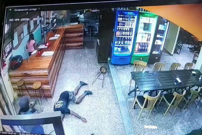 Cierra la pizzería y se muda después de que balearon a su repartidor en un robo