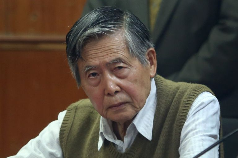 La representante del partido Fuerza Electoral prometió que de ser elegida presidenta, indultará a su padre, Alberto Fujimori. La candidata dedicó gran parte de su campaña a recordar la gestión de su padre
