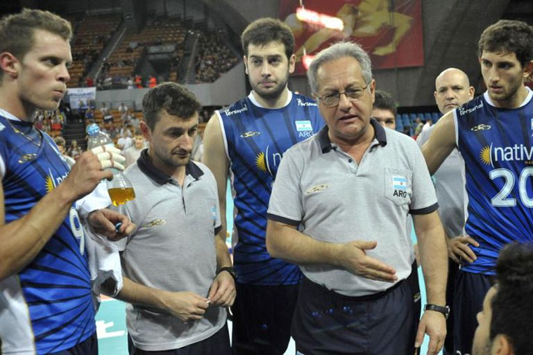 Velasco ratificó el plantel para la Liga Mundial