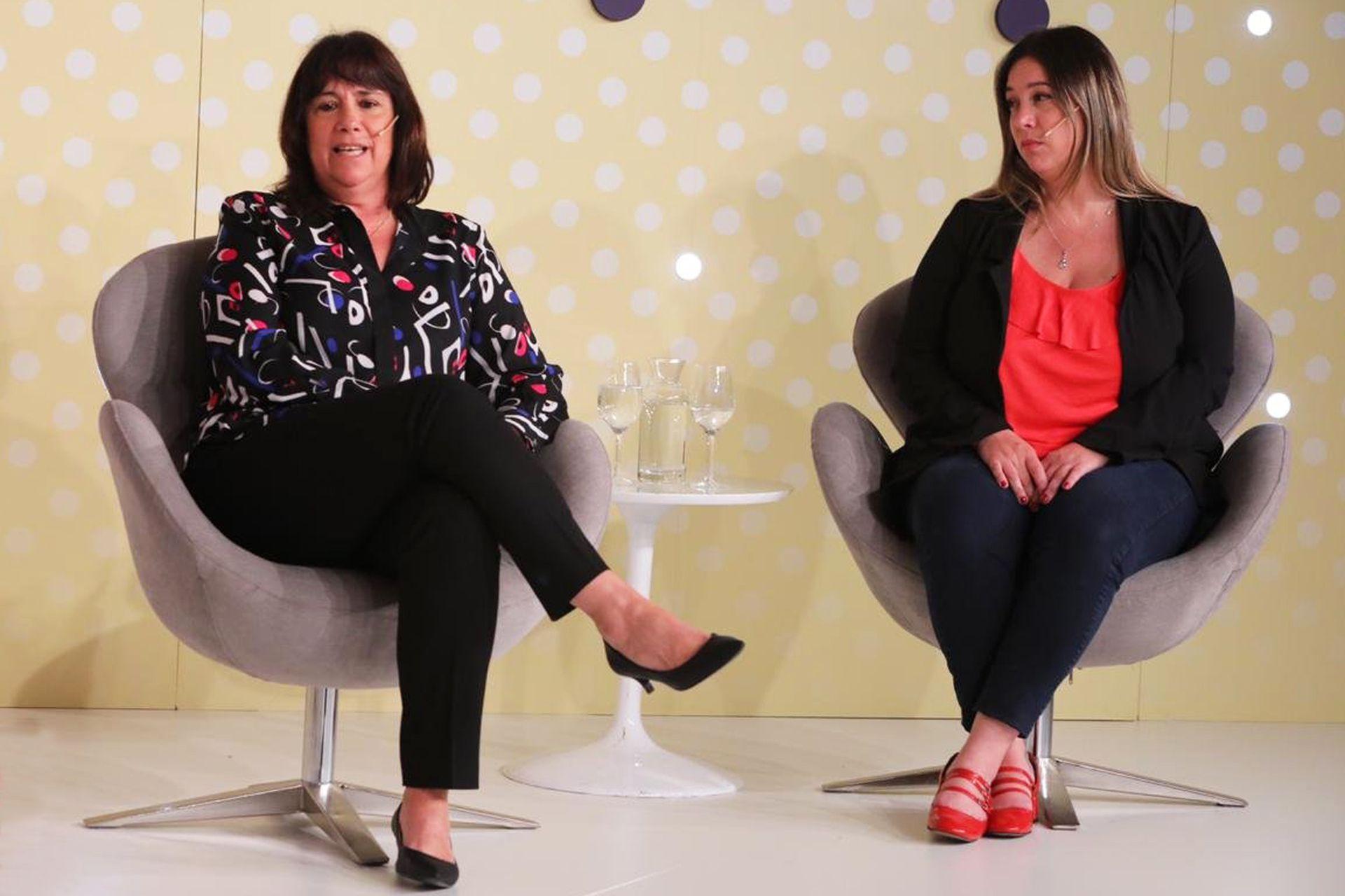 """Patricia Bindi, Directora de Banca de Empresas de HSBC Argentina y Agustina Señorans , Subsecretaria de Promoción Social en el panel """"Management: ¿Cómo conformar una mesa de trabajo organizada"""""""