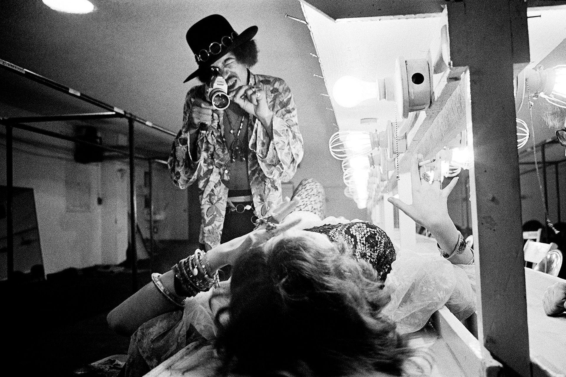 Hendrix filma a Joplin en el backstage de Winterland, en San Francisco, en 1968; fueron buenos amigos