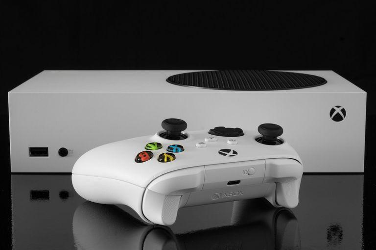 La Xbox Series S puede usarse tanto erguida como acostada