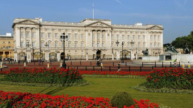 Revelan que Buckingham vetó a minorías étnicas en altos cargos de la casa real