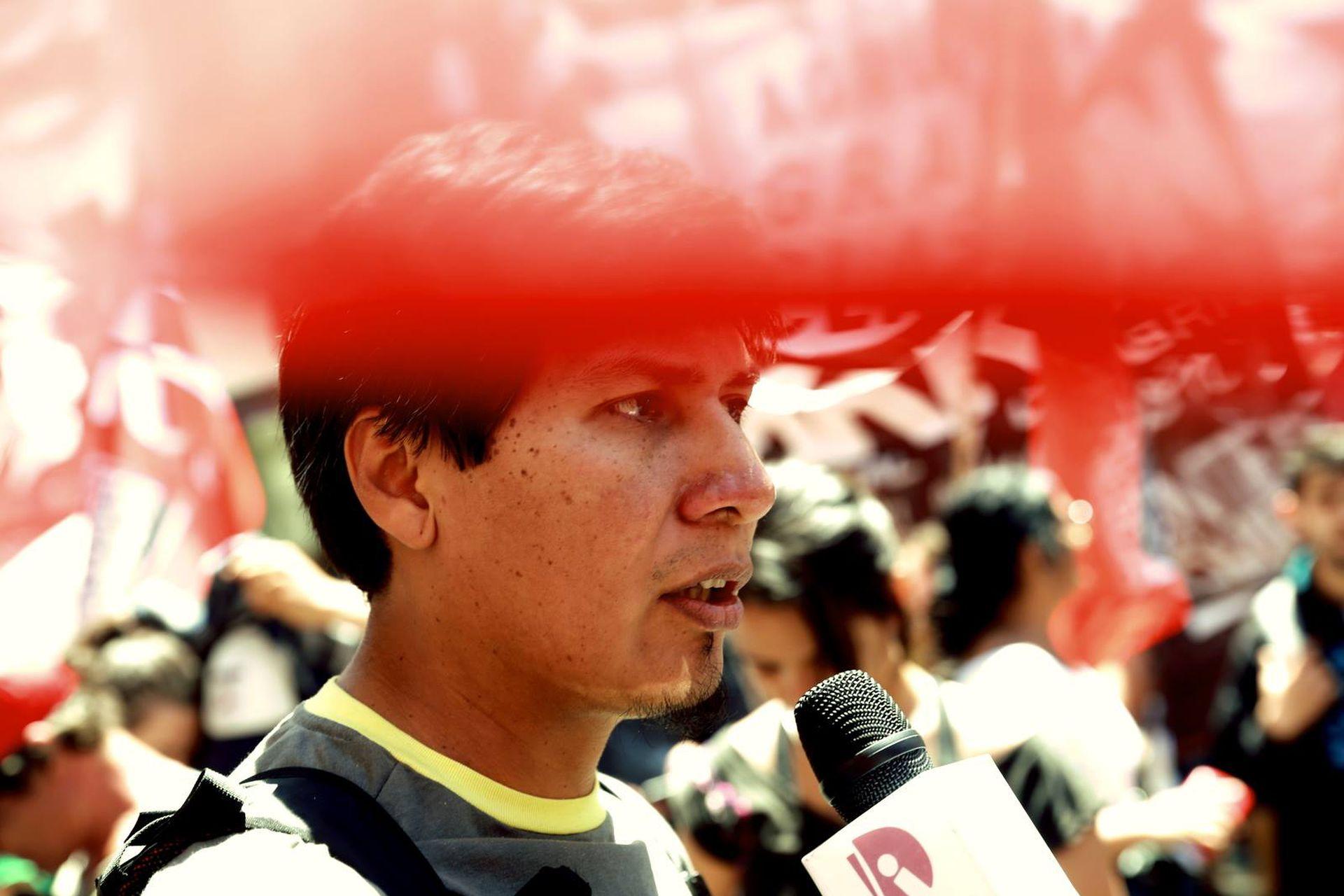 El candidato a diputado nacional comenzó a participar de manifestaciones sociales cuando era adolescente