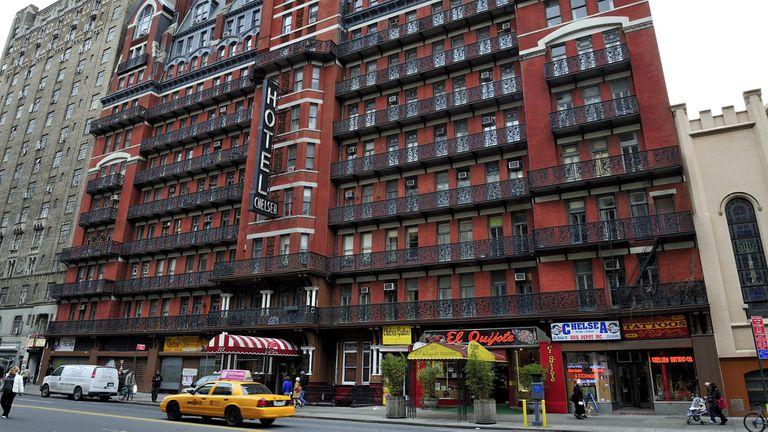 Nueva York: el hotel de Bob Dylan y Mark Twain que ahora es un campo de batalla