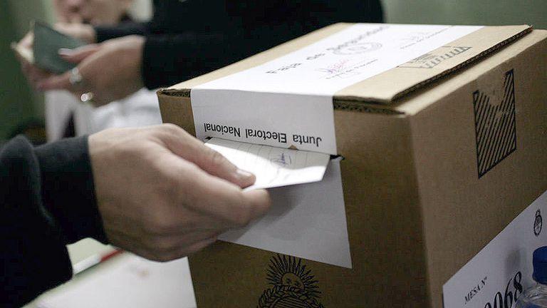 Minuto a minuto: abrieron las urnas y comenzó a redefinirse el poder en el Congreso