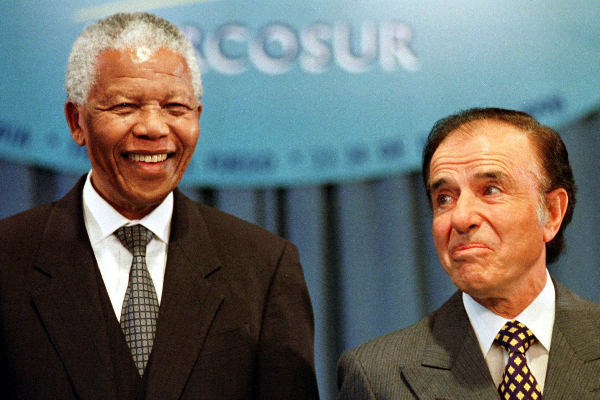 Nelson Mandela with Carlos Menem in 1998, during the Mercosur Summit in Ushuaia