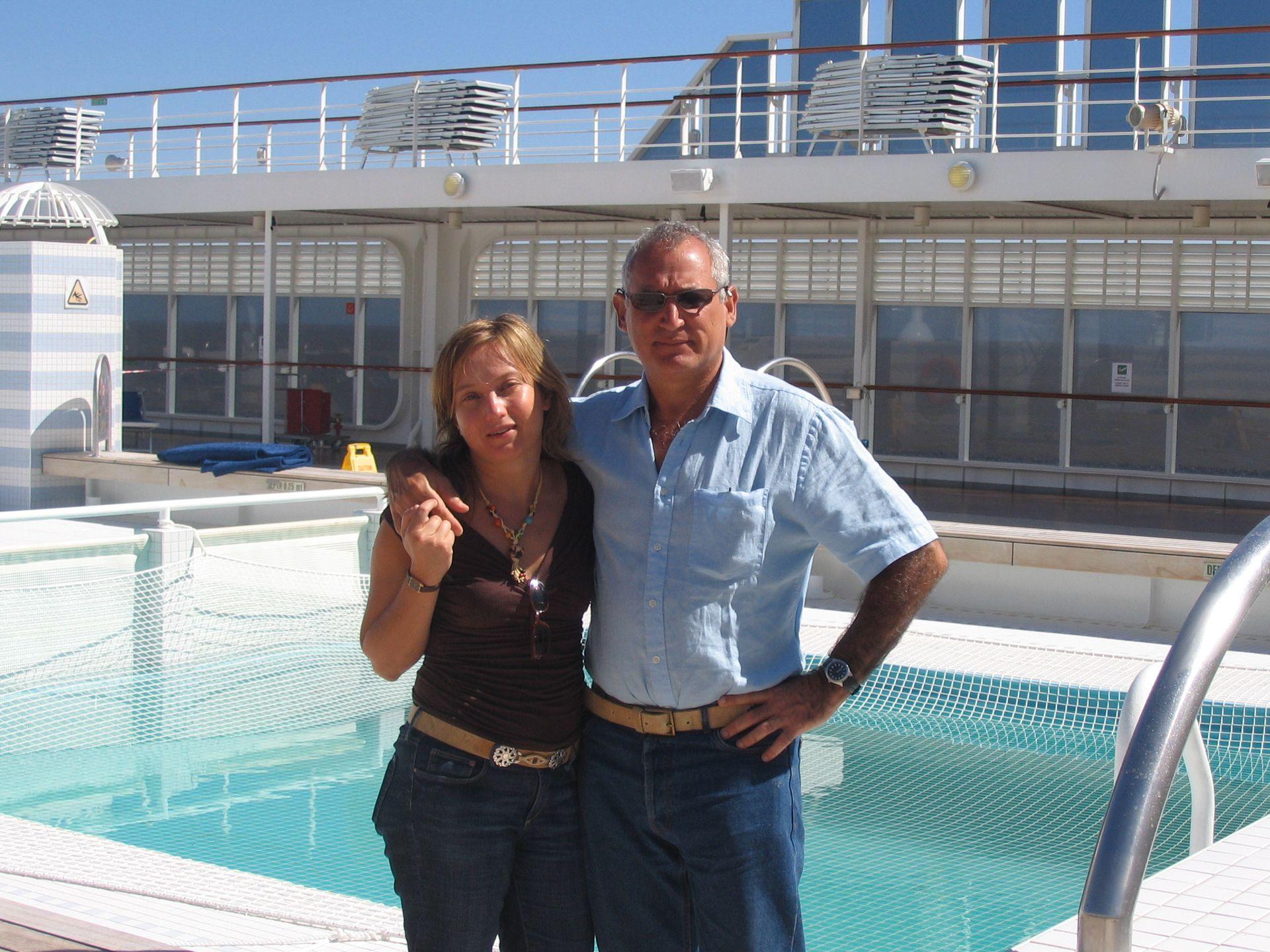 Au revoir. En 2005 zarparon desde Marsella con sus pertenencias para instalarse en Argentina.
