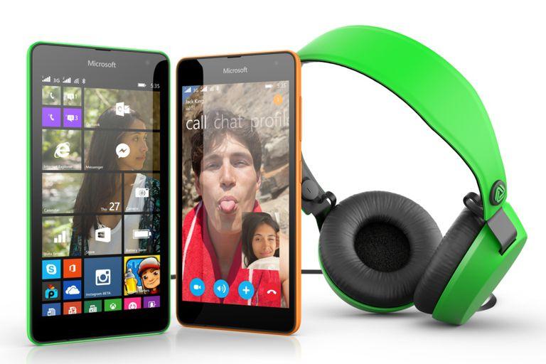 El Lumia 535 tiene una pantalla de 5 pulgadas y un chip de cuatro núcleos a 1,2 GHz