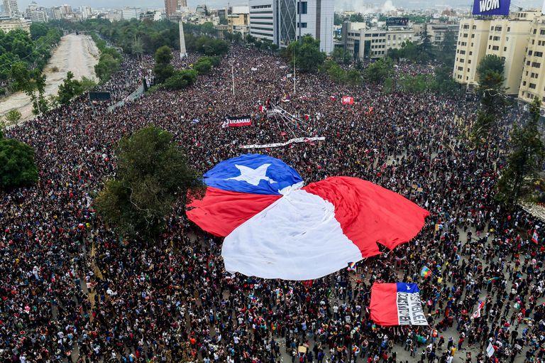 Shock político: la elección sacudió los cimientos del establishment en Chile