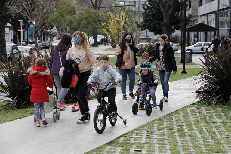 Parques, un desahogo para padres y chicos durante la cuarentena