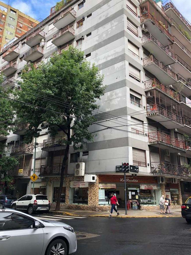 Laprida 1290/96 esquina Charcas, 2° piso A