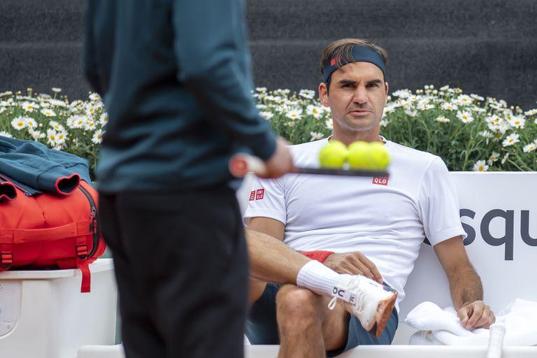 Roger Federer, durante un entrenamiento, antes de regresar al tour y debutar en el ATP 250 de Ginebra, donde nunca jugó y en una ciudad en la que vivió dos años intensos durante su adolescencia.