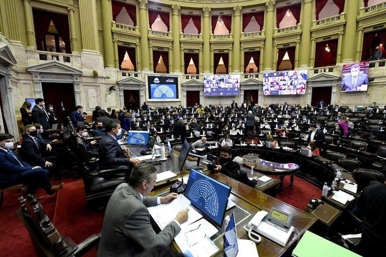 ¿Cuáles son las propuestas de los principales precandidatos a diputados por la provincia de Buenos Aires?