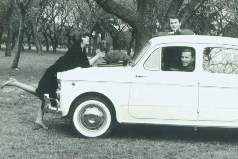 En un recordado aviso de Fiat (el que está sentado al volante del Fiat 1100 es Ante Garmaz), en 1961.