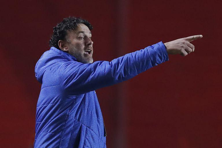Hacia allá: Milito está ante la oportunidad de su carrera. (Photo by Juan Ignacio RONCORONI / POOL / AFP)