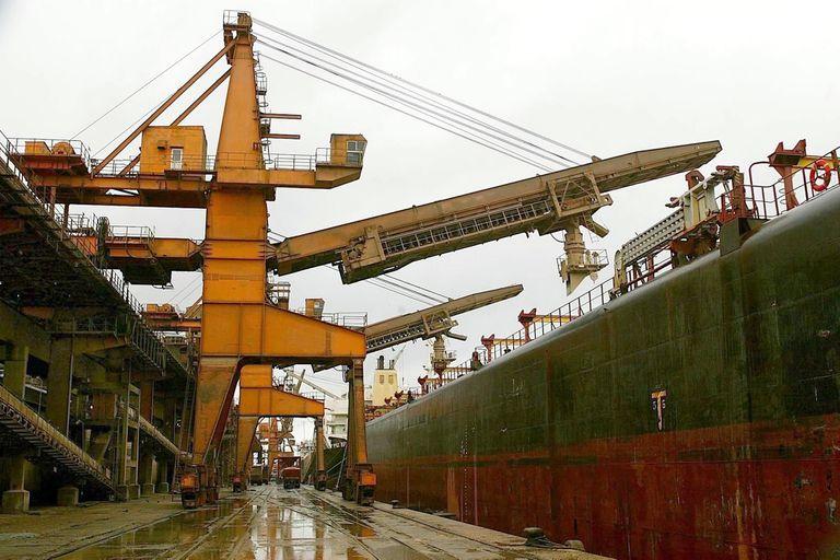 Para los exportadores, la rebaja de retenciones es insuficiente, aunque destacan la medida