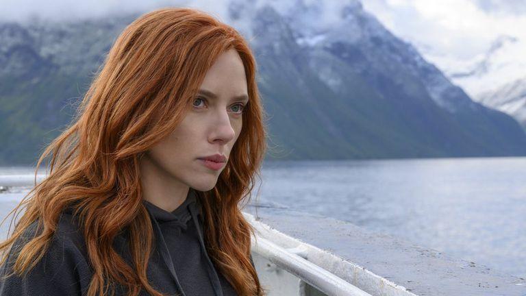 Después de la demanda de Scarlett Johansson, Disney cambiará los contratos de sus actores