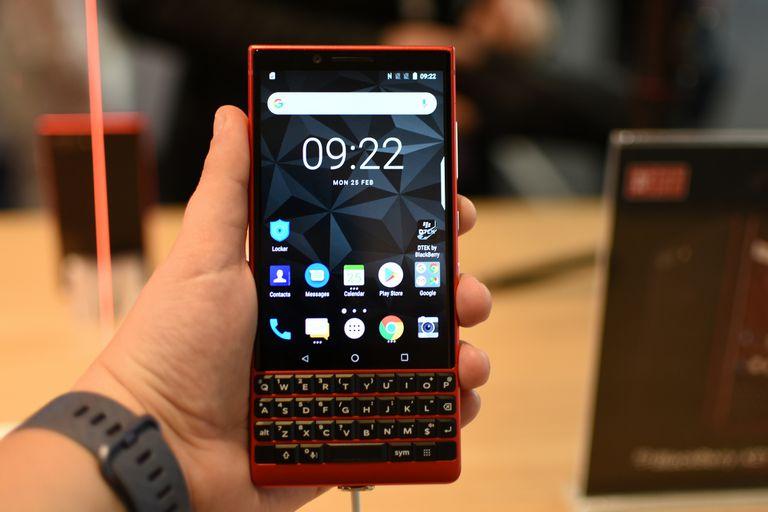 El fabricante chino TCL dejará de vender los teléfonos con la marca BlackBerry