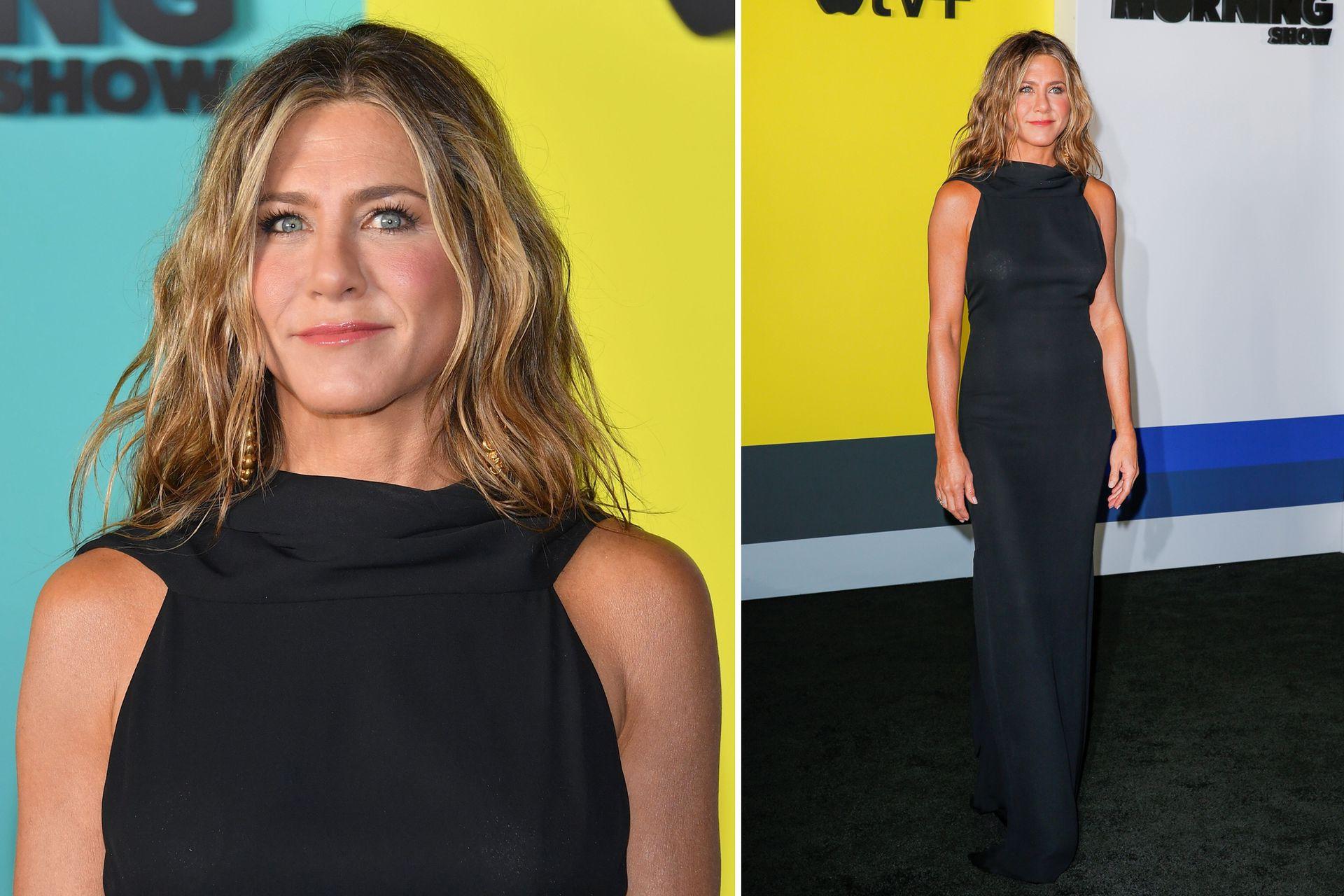 Para la premiere de la serie de AppleTV The Morning Show, Jennifer Aniston eligió una pieza vintage en azul profundo de James Galanos