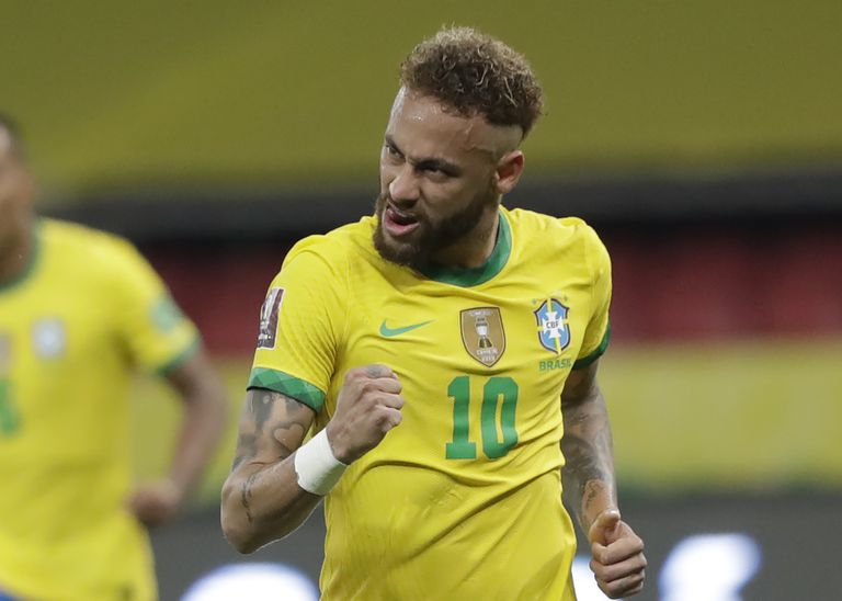 El brasileño Neymar es una de las principales estrellas de la Copa América, que empieza este domingo y que llegará a la Argentina por tres señales: TyC Sports, DirecTV y TV Pública.