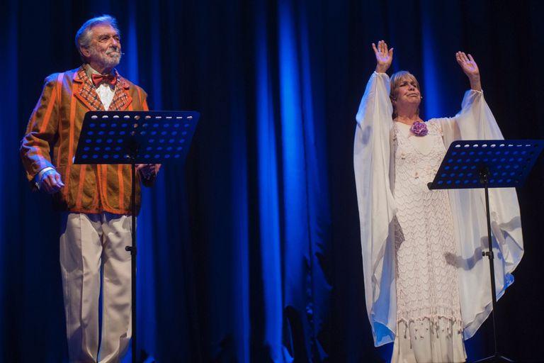 Gracias, Maria Elena. VIRGINIA LAGO, HECTOR GIOVINE y el músico MARIO CORREDERA