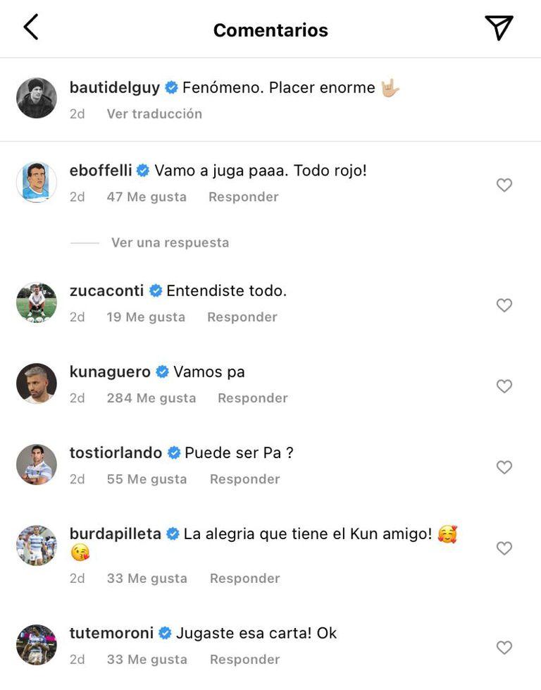 La reacción de algunos jugadores de Los Pumas ante la foto de su amigo con el Kun