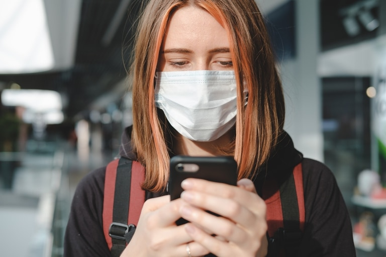 TuneVid es una app desarrollada por la UTN que aprovecha el micrófono y el parlante del celular para generar un test de audición, tos y olfato, lograr una detección temprana de coronavirus