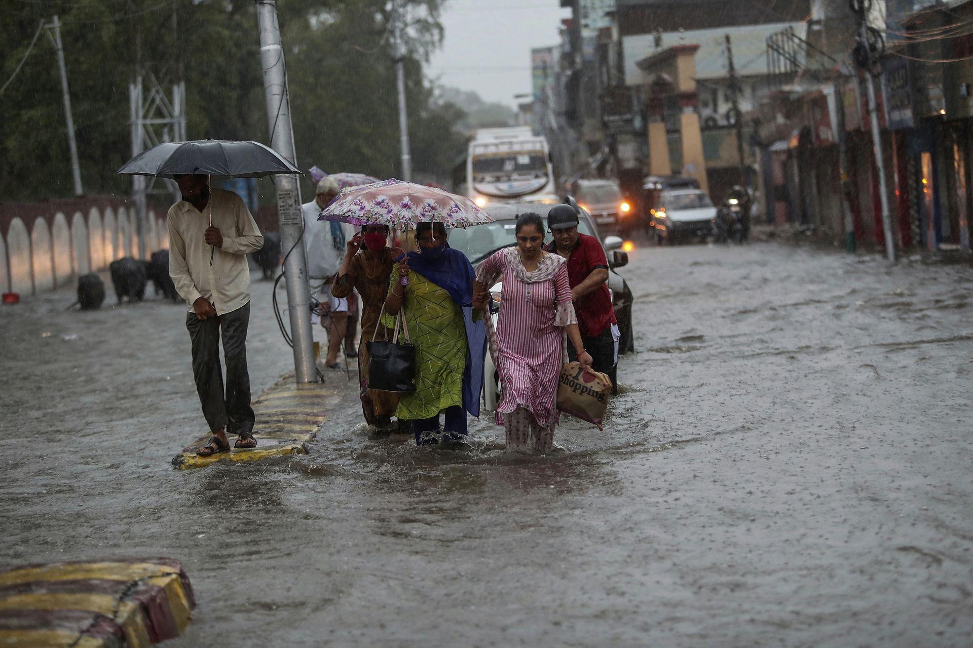 Varias personas pierden la vida durante las lluvias monzónicas