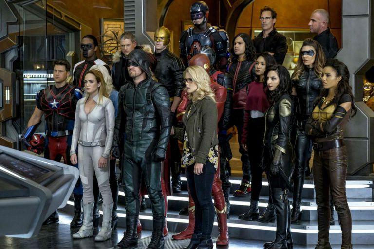 Warner renueva Flash, Riverdale y Supergirl junto a otras 10 series más
