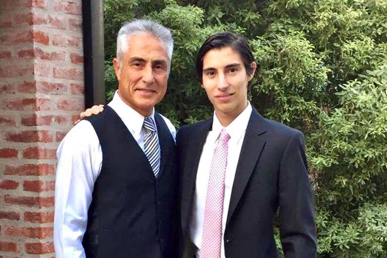 Duelo: Su hijo se suicidó y encontró esperanza en un grupo de pares