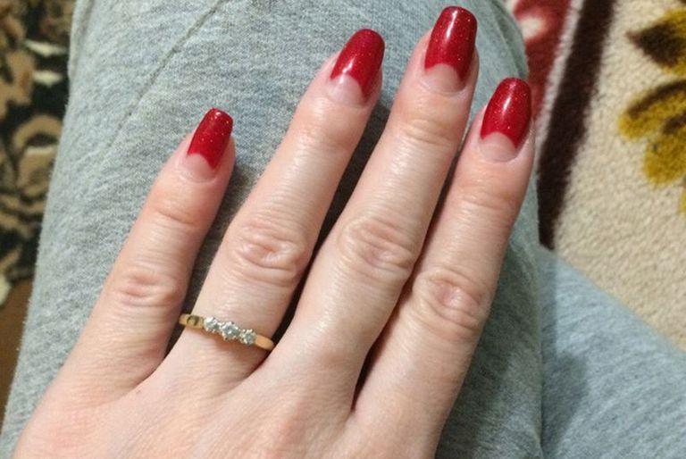 No pasó mucho hasta que Irina recibió el anillo de compromiso.