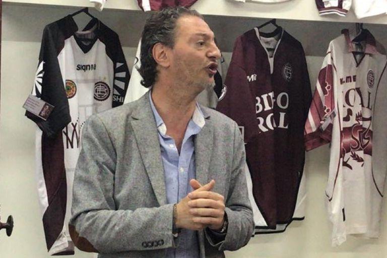 Marcelo Roffé trabajó con la selección argentina durante el Mundial Alemania 2006, con la de Colombia en Brasil 2014 y con 10 clubes argentinos de primera división, entre otros trabajos ligados a la psicología deportiva