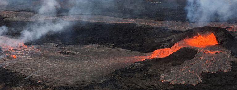 En fotos: la lava del volcán Kilauea llegó a una planta geotérmica, tapó un pozo