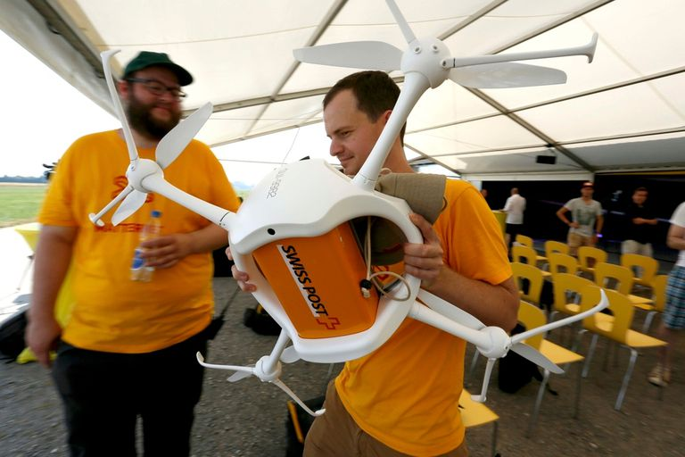 El Correo suizo está probando con la distribución de encomiendas usando cuadricópteros no tripulados