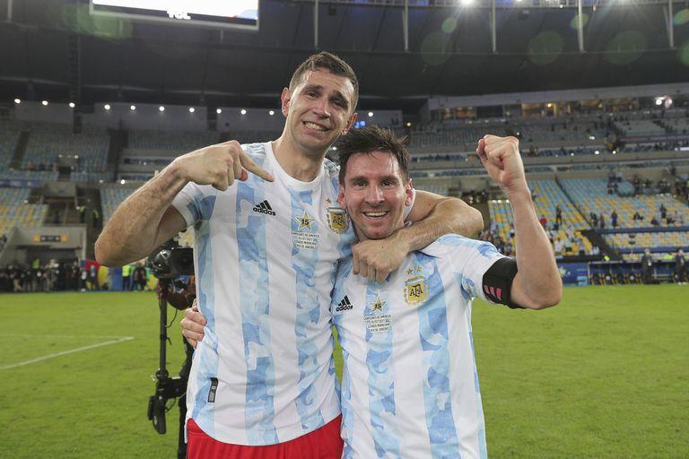 Emiliano Martinez y Lionel Messi: campeones del 1 al 10.