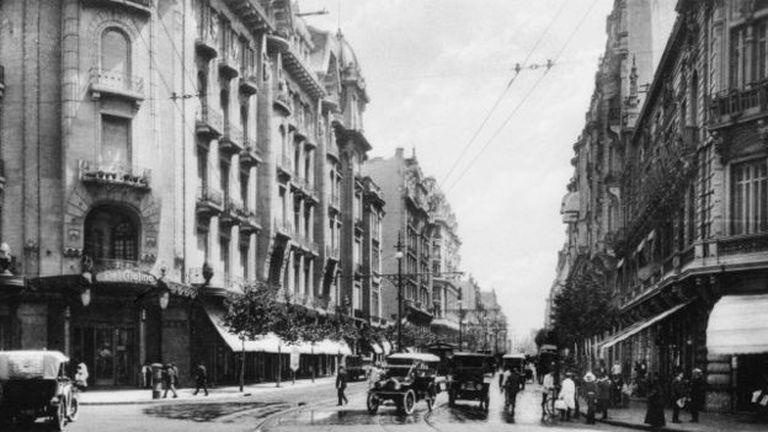 Una calle de Buenos Aires de 1925.