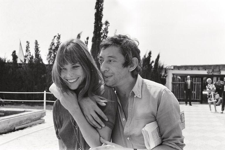 Cantante y actriz, tuvo tres amores conocidos –el más emblemático fue Serge Gainsbourg–, tres hijas y una vida marcada por la pasión y el drama. A los 74, la it girl tiene cinco nietos y vive en París, donde sigue componiendo y cantando
