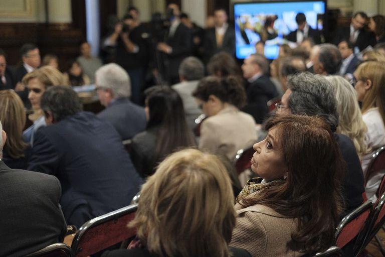 Cristina Kirchner en el Senado a pocas horas de que estallara el escándalos por los cuadernos de coimas durante su Gobierno