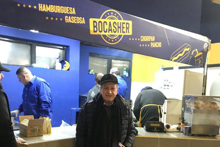 El local Bocasher vende unas 1000 hamburguesas por partido; el sábado estará cerrado, por Shabat