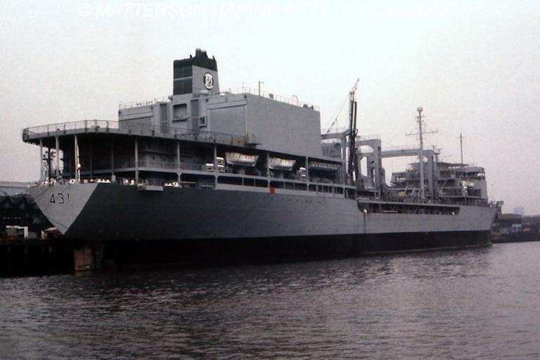 El barco mide más de 200 metros de longitud