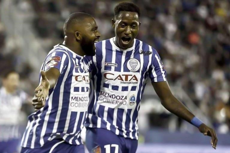 Jaime Ayoví y Morro García, cuando jugaban juntos en Godoy Cruz.